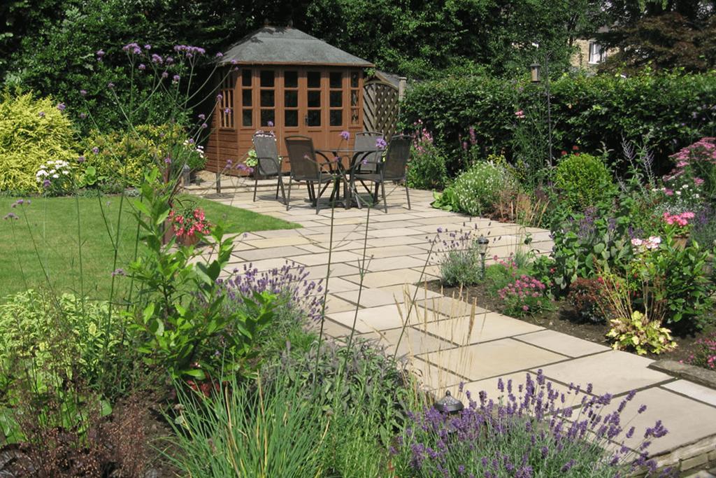 Landscape Creations – Colourful Patio Garden Design – Shelley